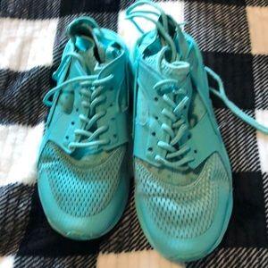 Nike air huaraches teal